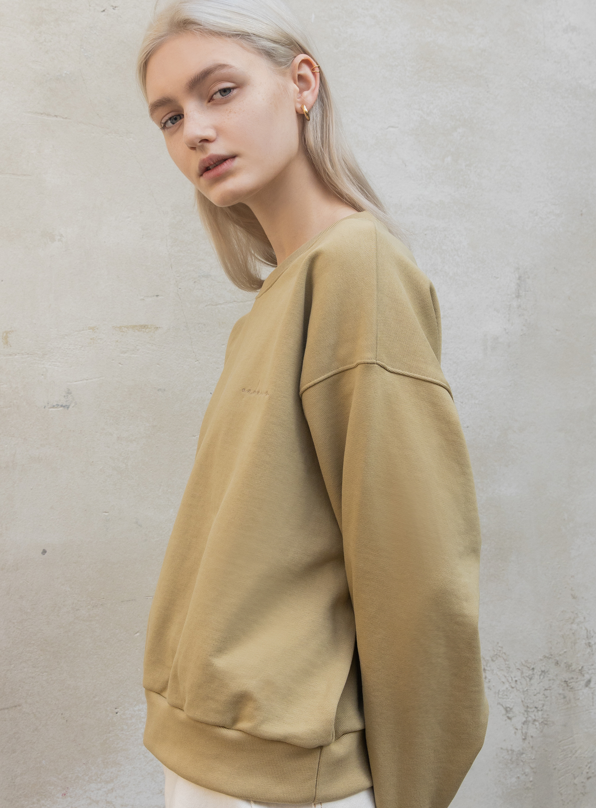 Embroider sweatshirt (Olive)