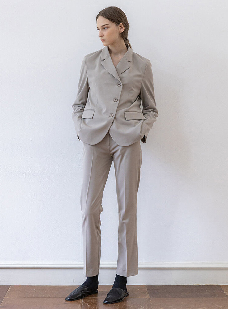 Slim slacks (cozy gray)